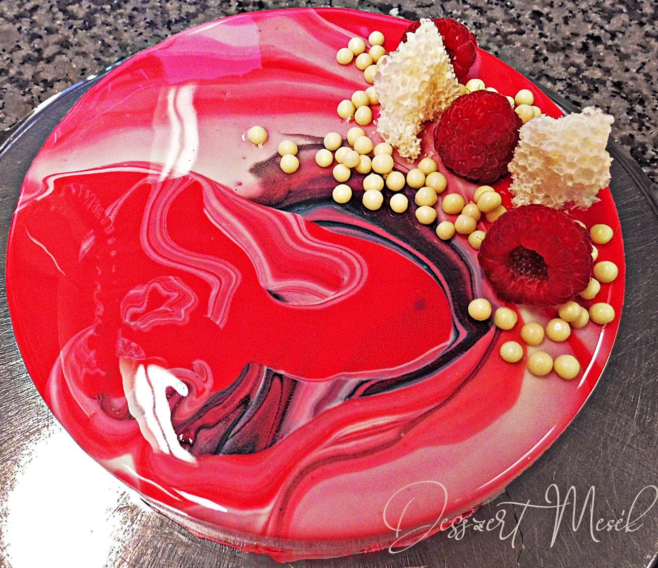 Málna-joghurt torta tükörglazúrral