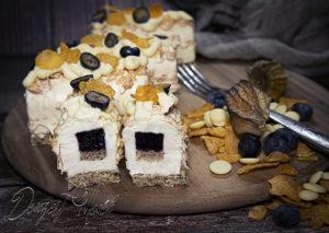 Ropogós fehércsokis tortácska áfonyával