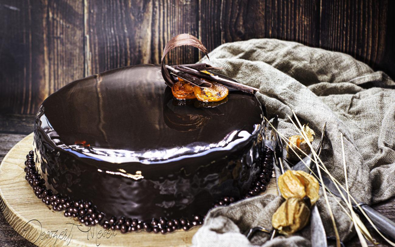 Sacher torta tükörglazúrral