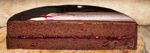 Málnás Sacher torta tükörglazúrral