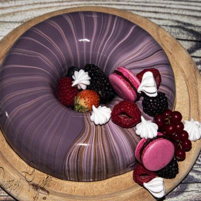 Erdei gyümölcs mousse torta tükörglazúrral
